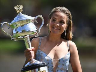 Sofia Kenin Holds The Daphne Akhurst Memorial Cup