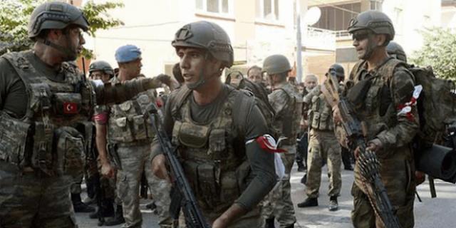 pasukan pro erdogan membela pemerintahan yang sah