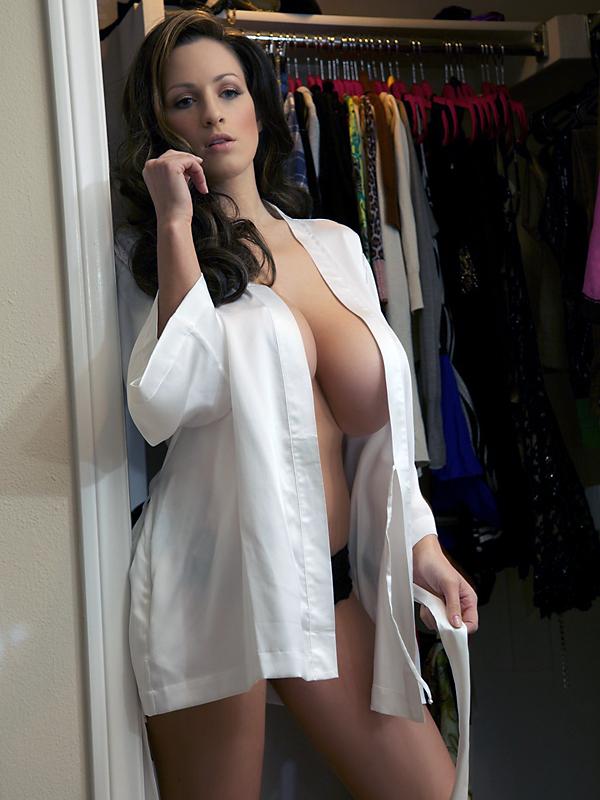 Vickie guerrero sexy milf pics