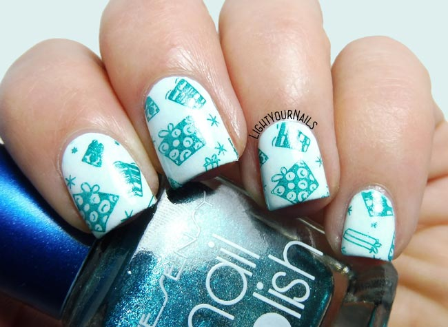 Christmas gifts stamping nail art