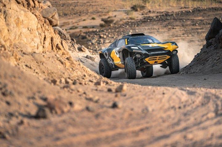 Chiếc SUV độc lạ khiến Ford F-150 Raptor phải ngước nhìn