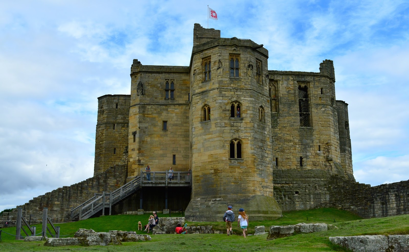 The Ultimate Guide to What's On in the North East for Kids | Summer Holidays 2018  - Warkworth Castle