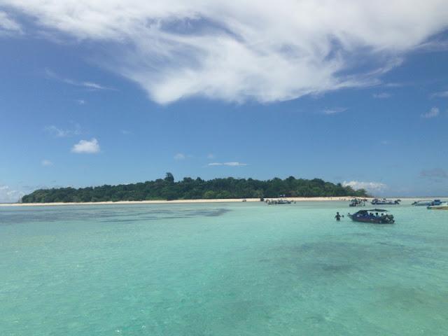 Destinasi Wisata Untuk Keluarga di Pulau Sangalaki Kalimantan Timur
