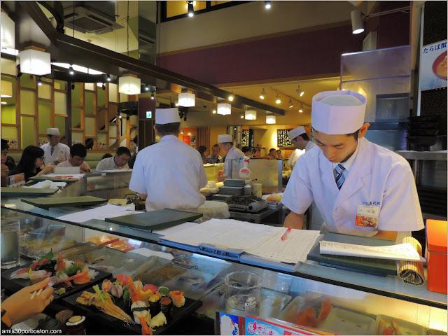 Barra de Sushi Zanmai en Tsukiji, Tokio