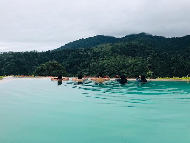 Infinity Pool at Vista Tala