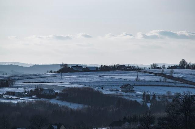 Szczyt miejscowości Gębiczyna . Z tego miejsca można obserwować Tatry, a także Bieszczady.