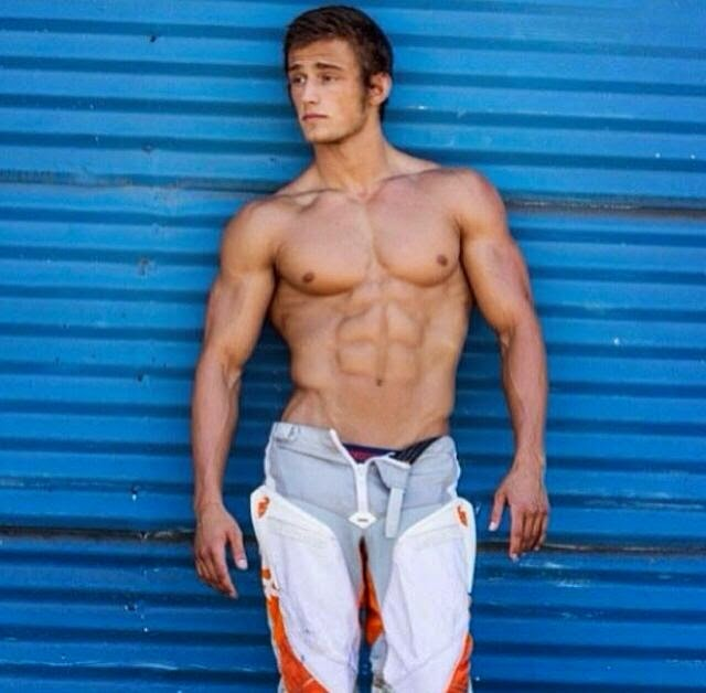 Daily Bodybuilding Motivation: Best Fitness Model Ripped