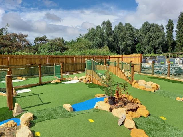 Aces Minigolf course at Dobbies Garden Centre in Gloucester