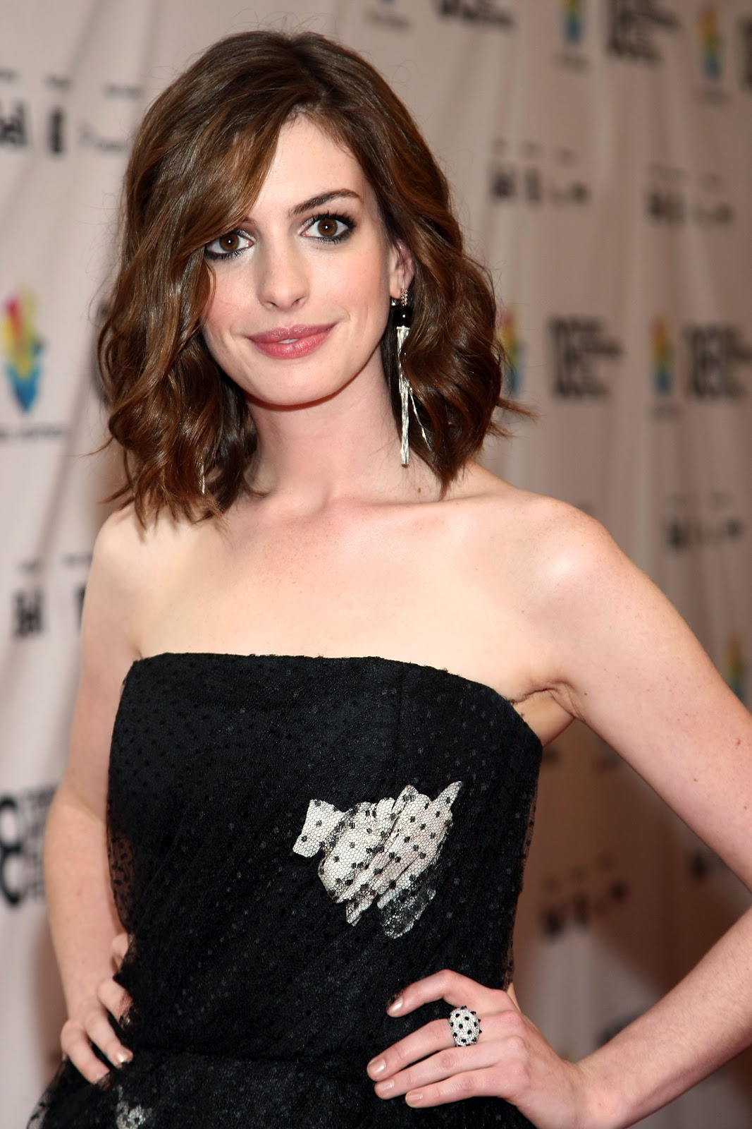 Hathaway pics stars picture 75