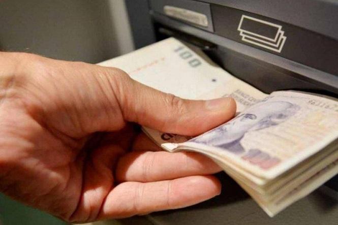 A partir de abril, el uso de cajeros automáticos dejará de ser gratuito para todos