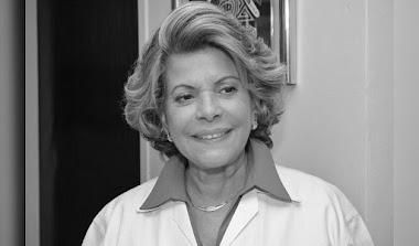 En La Opinión De La Profesora Nelva Reyes Barahona: A la doctora Rosa María Britton