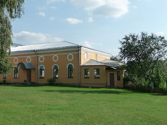 Чернигов. Елецкий Успенский монастырь. Петропавловский трапезный храм