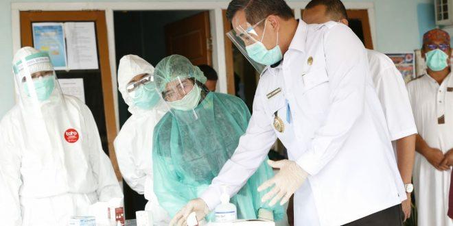 Diawali di Gedong Tataan, Dendi Cek Pelaksanaan Rapid Tes Massal