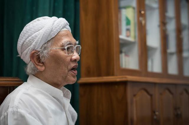 Rizal dan Mbah Hambali, sebuah cerpen karya Gus Mus