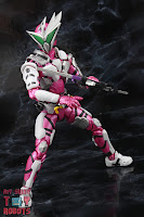 S.H. Figuarts Kamen Rider Jin Flying Falcon 38
