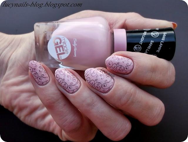 różowy lakier