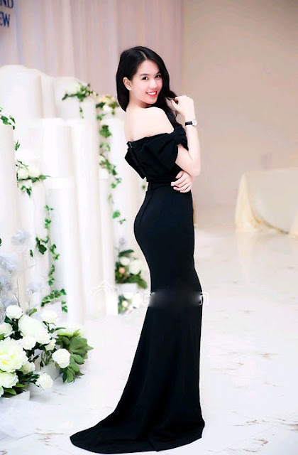 Thời trang váy đầm dạ hội đẹp của người mẫu Ngọc Trinh