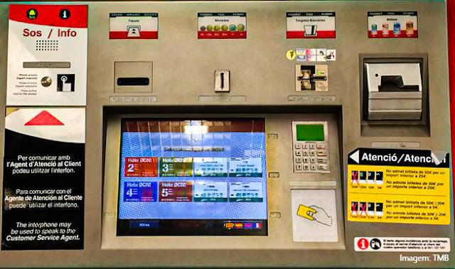 Máquinas para compra automática de bilhetes de metrô em Barcelona