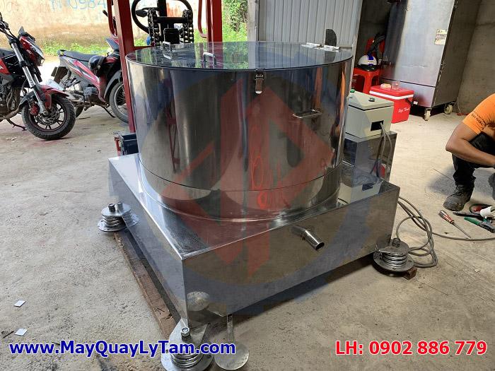 Một trong những sản phẩm máy vắt ly tâm inox 2019 đường kính lồng quay 800mm do Vĩnh Phát chế tạo
