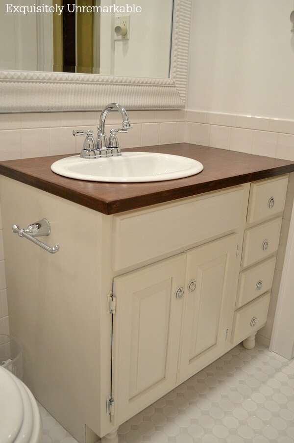 Farmhouse Bathroom Vanity Makeover DIY