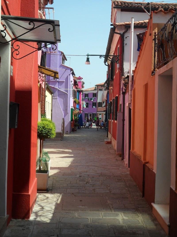 Travelguide Burano: Transfer, Highlights und warum es die bunte Insel ist Burano vor dem Instagram Hype früher Reisebericht Traveldiary