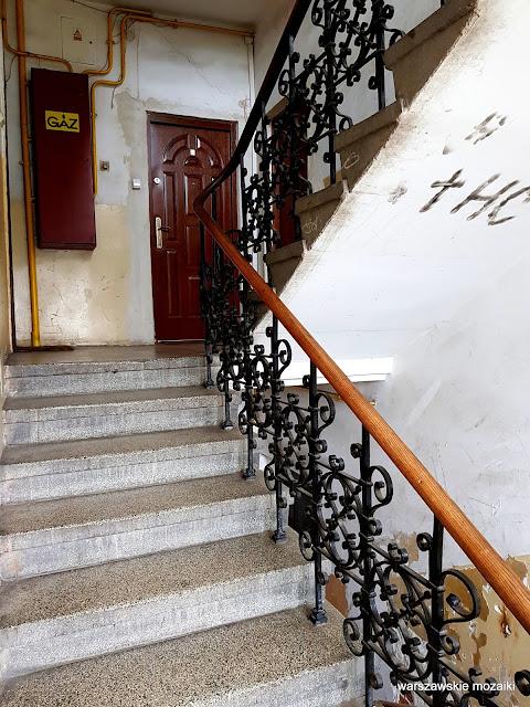 Warszawa Warsaw Targówek Fabryczny kamienica przedwojenna architektura architecture balustrada klatka schodowa