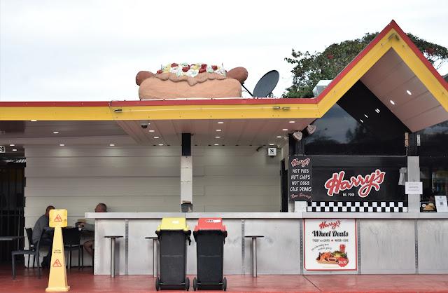 Sydney BIG Things | BIG Hotdog in Tempe