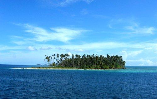 pulau terindah di indonesi yang menjadi destinasi liburan anda