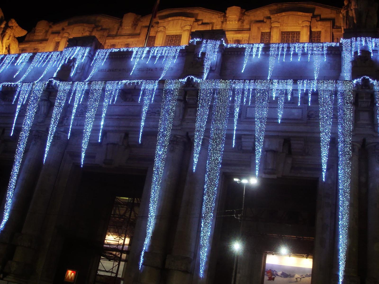 La poesia della psiche luminarie natalizie for Luci per esterno