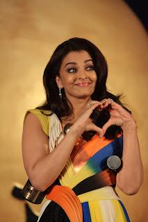 [Image: Mrs.%2BAishwariya%2BRai%2BBachchan%2Bmak...Mumbai.jpg]