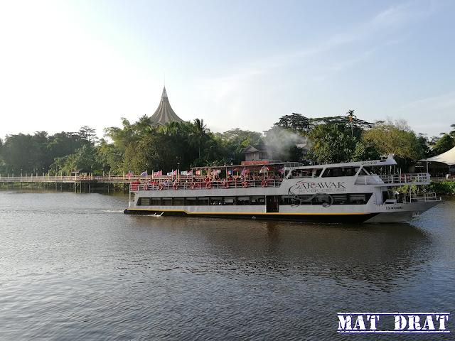 Kuching River Cruise Tempat Menarik di Kuching