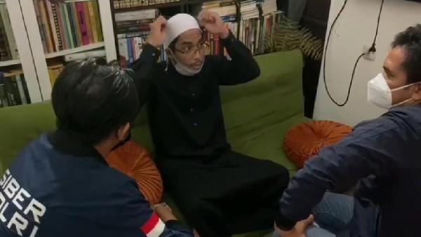 Terjerat Ujaran Kebencian, Ini Detik-detik Penangkapan 'Ustadz Maaher'