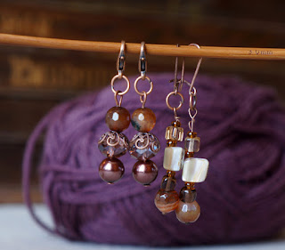 Copper and glass bead stitch markers {tettidesign}