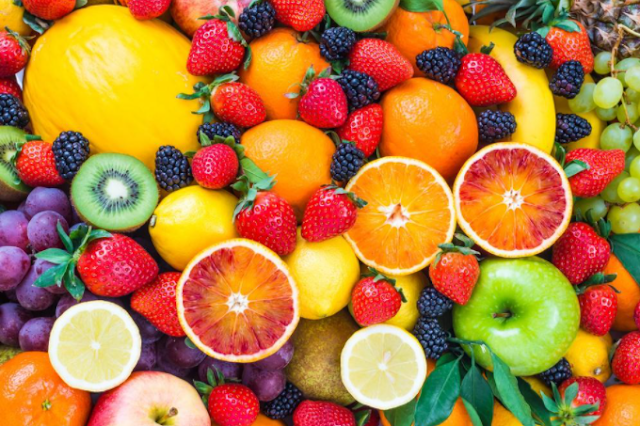 How many carbohydrates in a fruit