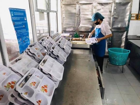 Công ty Trường Sinh – có 15 ca mắc Covid-19 – không chỉ cung cấp suất ăn cho BV Bạch Mai