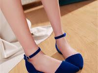 Efek Buruk Menggunakan Flat Shoes Bagi Kesehatan