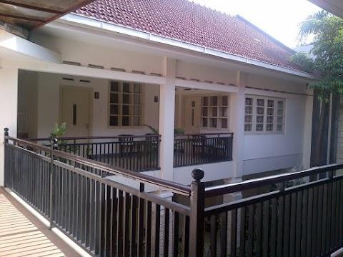 Bermalam di Srikandi Guest House Malang