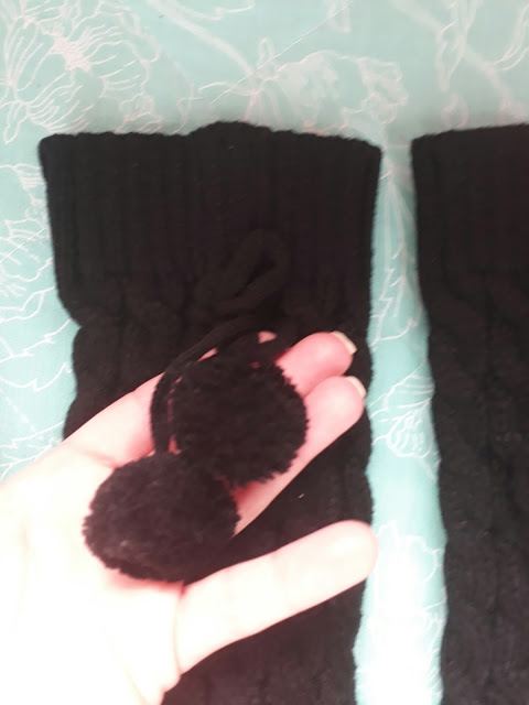 http://www.rosegal.com/socks/christmas-winter-pompon-bowknot-pendant-756002.html?lkid=88196