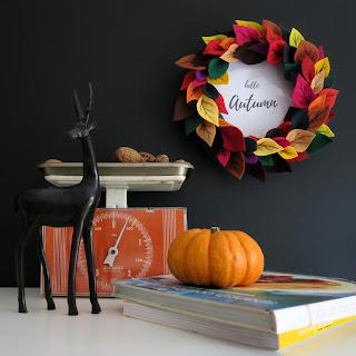 Felt leaves Autumn wreath + FREE printable