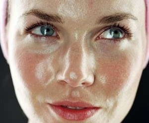 Trucos para limpiar la piel grasa