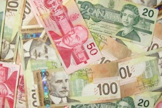 Dejan abandonada maleta con 159 mil dólares canadienses en aeropuerto de Puerto Plata