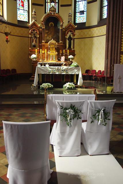 Biały dywan i dekoracja ślubna kościoła w bieli Kuźnia Raciborska