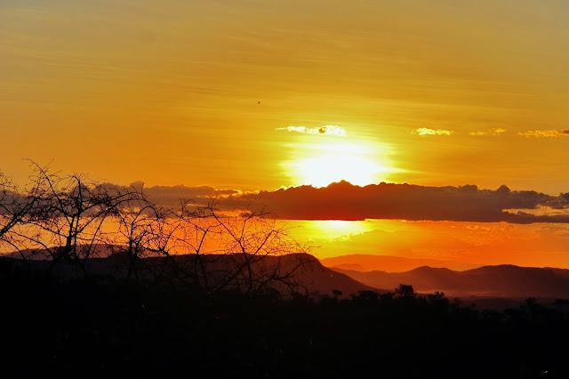 Pôr do Sol no Abismo, com vista para o Cerrado da Chapada dos Veadeiros