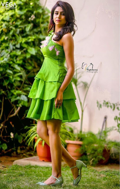 Anchor Varshini Latest Green Dress Photos from Facebook Navel Queens
