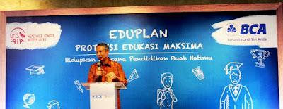 Suwignyo Budiman memberi sambutan sebagai Direktur BCA