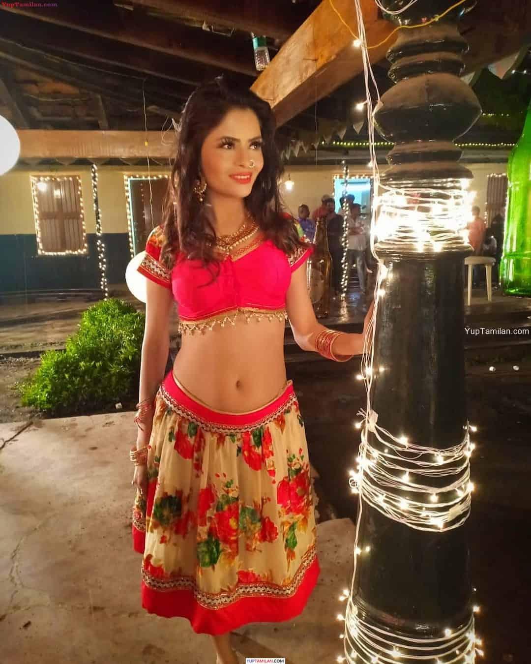 Gehana Vasisth Hot Photos in Bikini