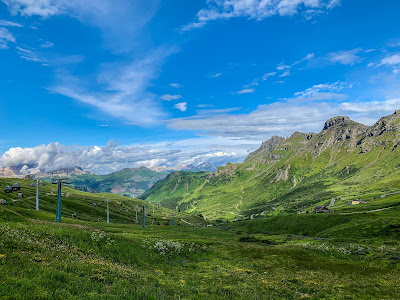 full carbon road bike rental in Canazei Maratona dies Dolomites