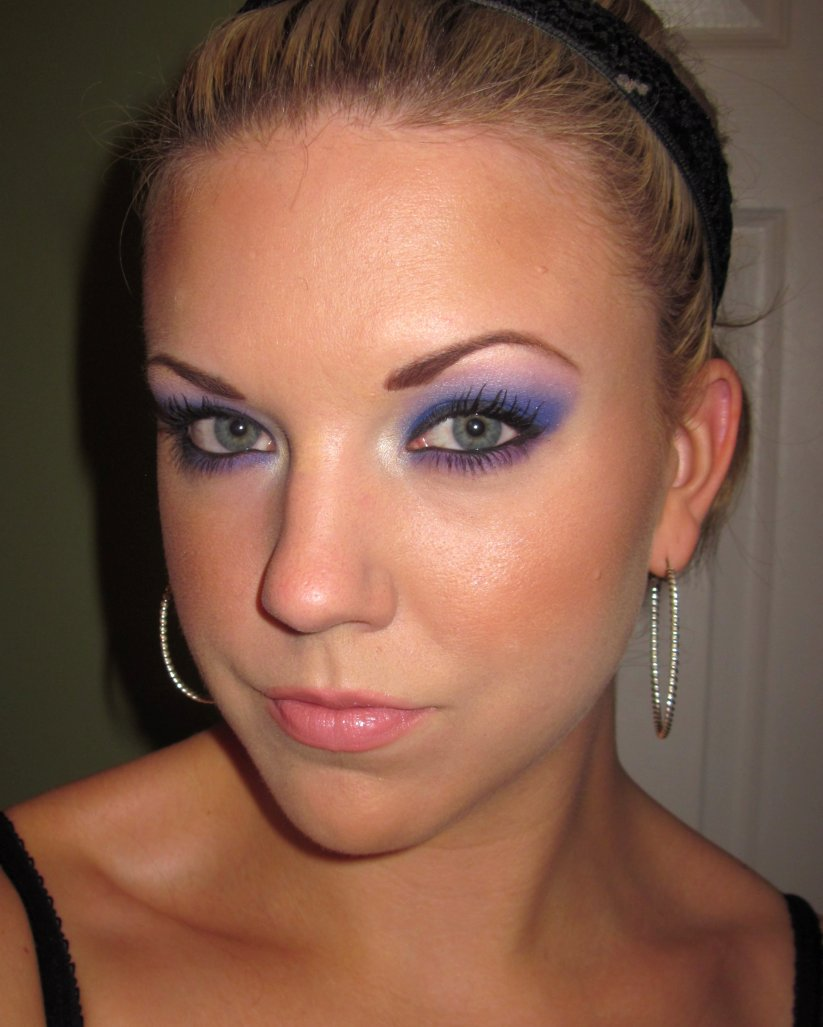 The Beautiful Life Of The Girl Next Door: Springy purple eyes
