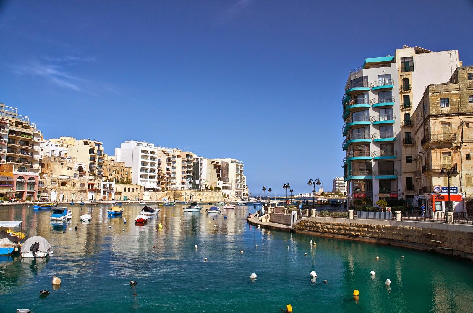 idealnie czsyte morze na Malcie, piękne zatoki, gdzie zobaczyć?