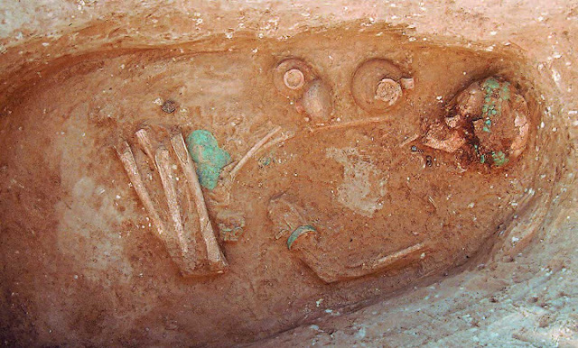 Late Bronze Age grave of yound girl wearing elaborate diadem found in northern Greece